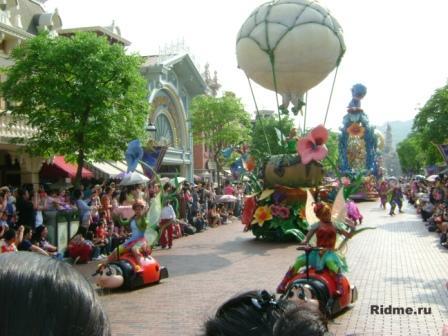 Диснейленд. ГонКонг.ежедневный парад.