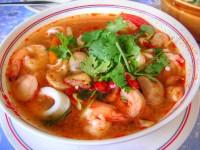 Остро – кислый креветочный суп «том ям кунг».